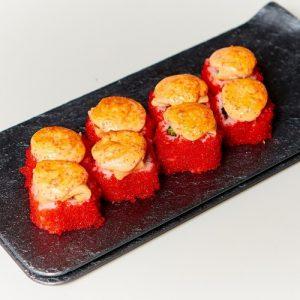 Запеченный ролл Сырный с лососем